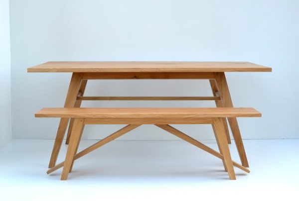 Hooper oak dining table