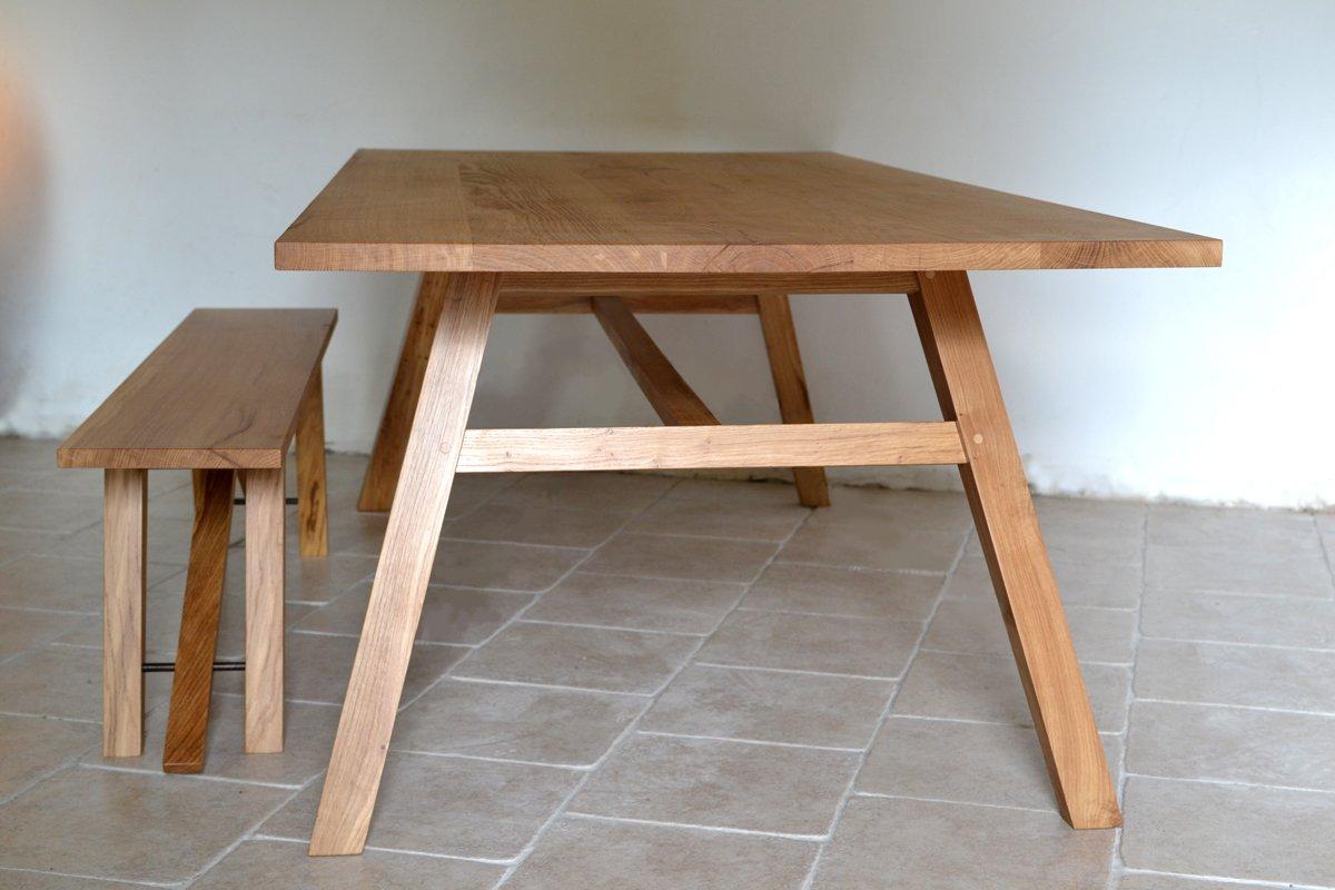 Hooper kitchen table