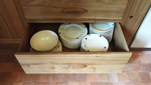 Crockery drawer shaker oak kitchen
