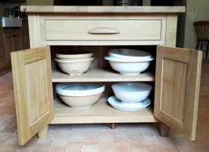 internal oak island shelves