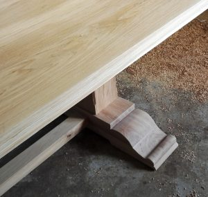 Oak kitchen table with scrolled feet