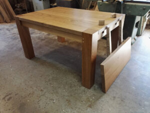6 seat dining table with extending leaf