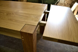 Bespoke table with extending leaf