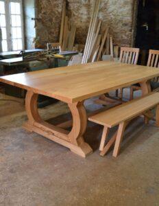Table de repas sur mesure fabrique par makers bespoke furniture
